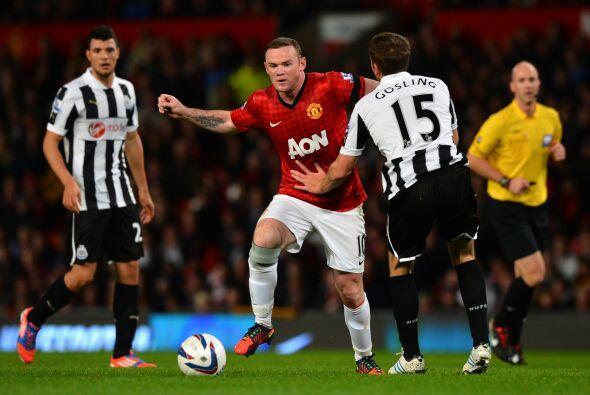 Rooney claramente aún no está en forma física y lo...