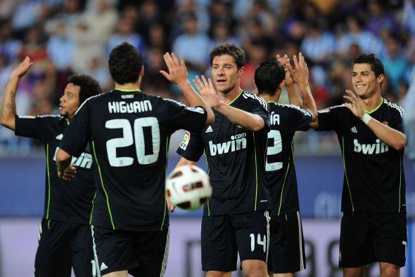El Real Madrid ganó 4-0 y ya es líder de la Liga en España.