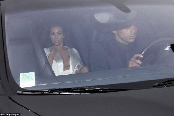 Kim lució tranquila durante el trayecto.Mira aquí lo último en chismes....