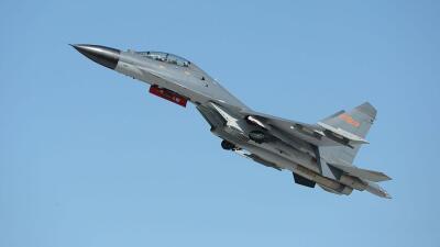 Dos J-11 chinos realizaron la maniobra que EEUU calificó de poco segura