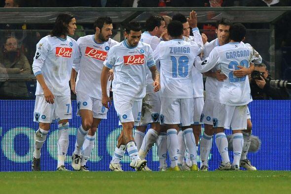 Nápoli superó 1 a 0  sin problemas al Genova y sigue terce...