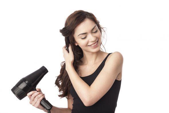 También un cepillo para 'brushing' y secador por si el del hotel fuese m...