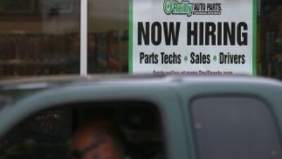Las inscripciones semanales al seguro de desempleo en Estados Unidos cay...