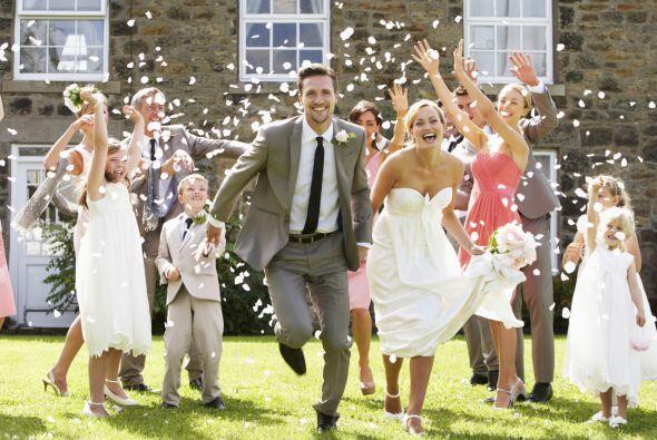 Entre el vestido, el salón, la comida y la ceremonia, es posible que el...