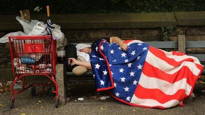 En Un Minuto: brecha entre ricos y pobres en EEUU en su mayor nivel desd...