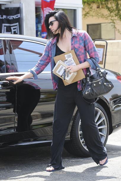 Laura también pertenece al mundo del espectáculo, es actriz. Más videos...