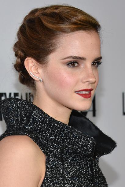 Asombrosa es como luce Emma Watson con este maravilloso peinado de trenz...