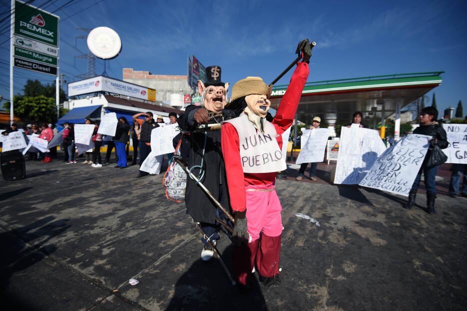 El 'gasolinazo' en imágenes: protestas y saqueos por el aumento de la ga...