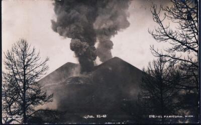 El volcán Paricutín en 1943.