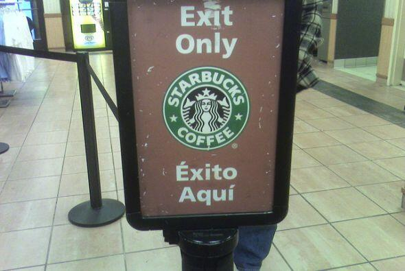 """Y si es """"Exit Only"""" o """"Éxito Aquí"""", es casi igual, ¿o no?"""