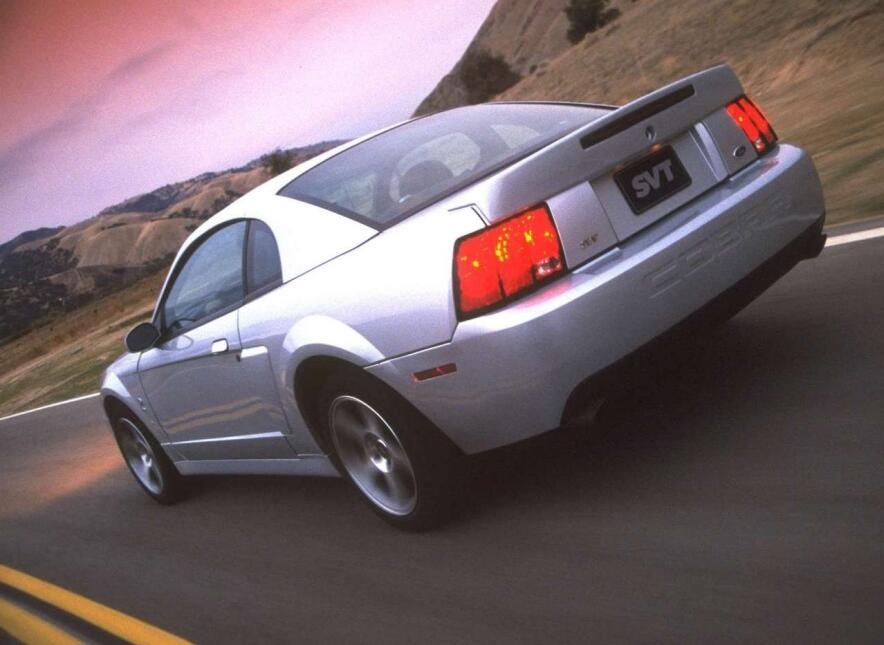 Medio siglo del Ford Mustang Fastback Ford-Mustang_SVT_Cobra-2003-1280-0...
