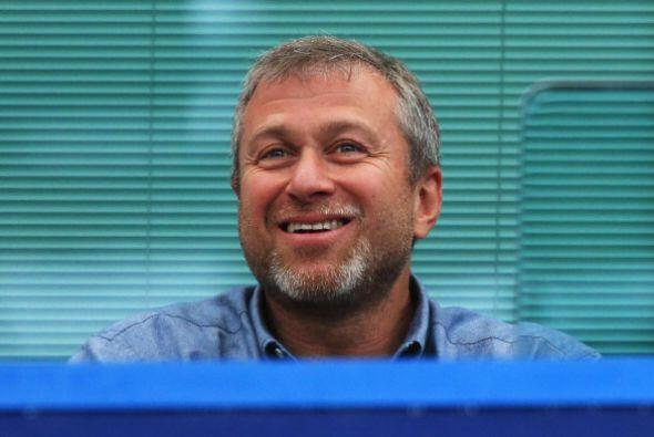 ROMAN ABRAMOVICH. Con una fortuna de 9,400 millones, el dueño del FC Che...