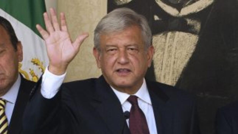 El candidato izquierdista a la Presidencia de México, Andrés Manuel Lópe...
