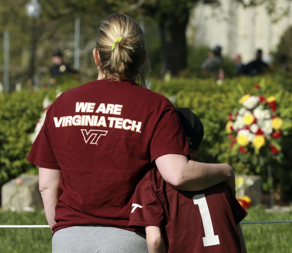 Virginia Tech conmemora el décimo aniversario de la peor masacre ocurrid...
