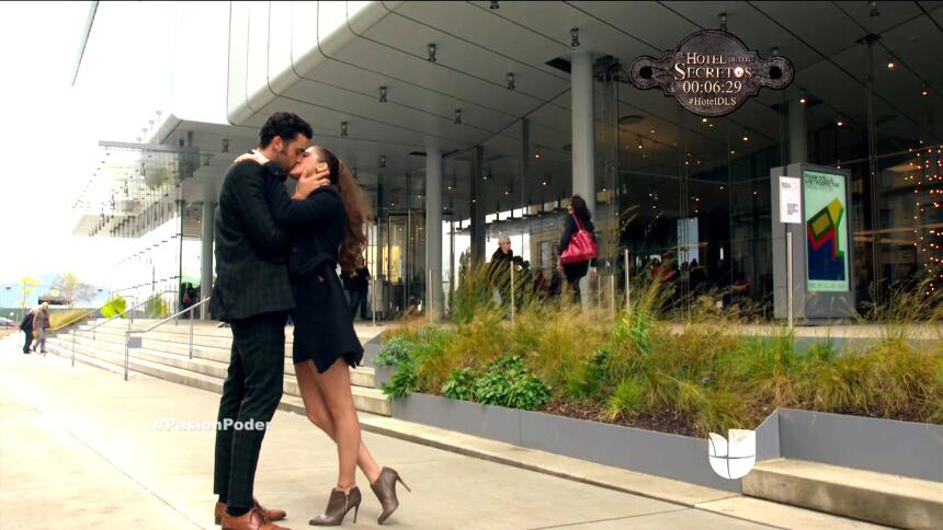 ¡David le propuso matrimonio a Regina! 3A93F19FAB354A2CAD1E97C7BF0ACE06.jpg