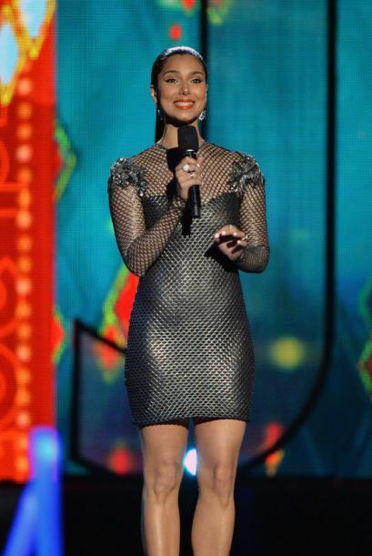 Roselyn Sánchez presentó al cantante español Enriqu...