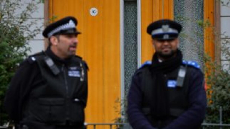 La policía ha localizado en la capital británica 13 domicilios relaciona...