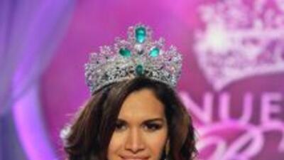 Coronacion Marisela Demontecristo Nuestra Belleza Latina 2013