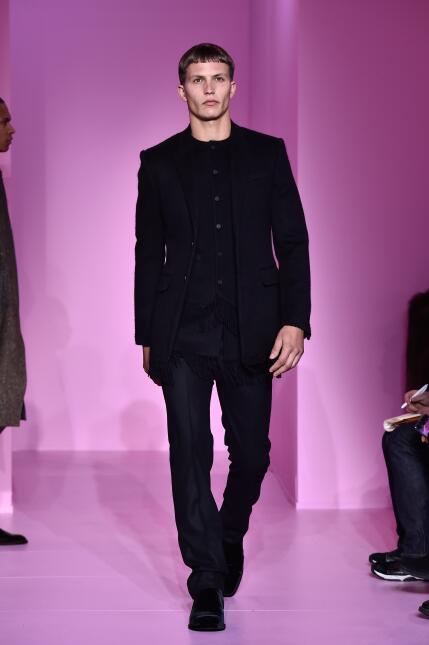 Siete looks de alfombra roja para que Marc Anthony luzca inolvidable en...