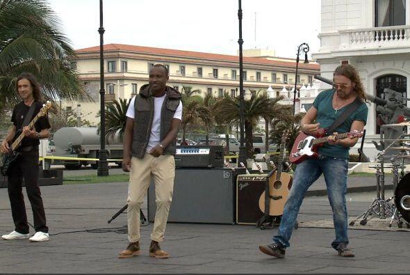 En plena grabación del video musical de Labios Compartidos.