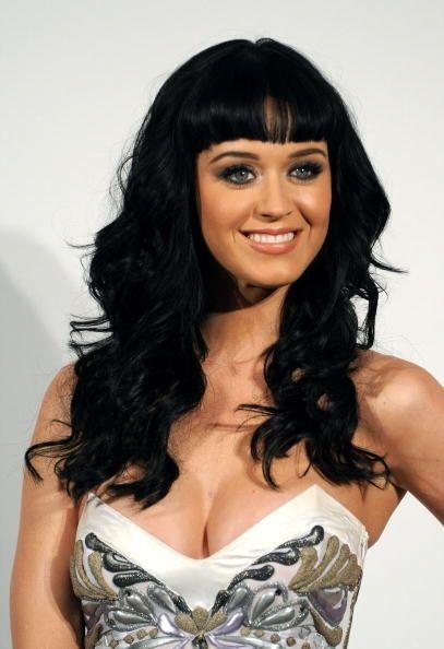 Katy Perry rezaba a Dios todas las noches para poder tener unas bubis tr...