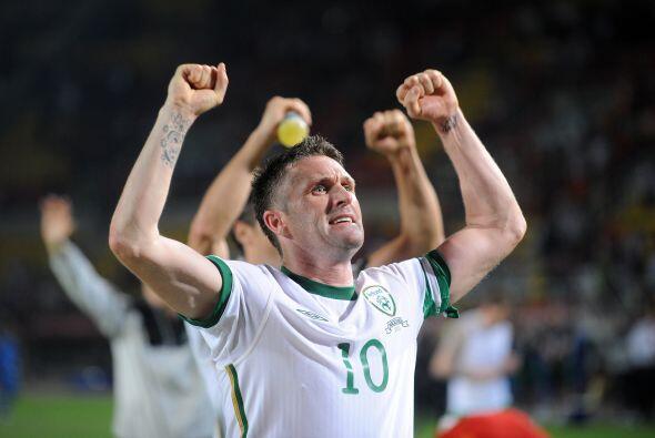 Y el goleador irlandés Robbie Keane parecía pulpo, con tanto 'tentáculo'...