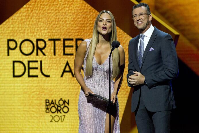 Ellos son los ganadores del Balón de Oro Ximena Cordoba y Felix Fernande...