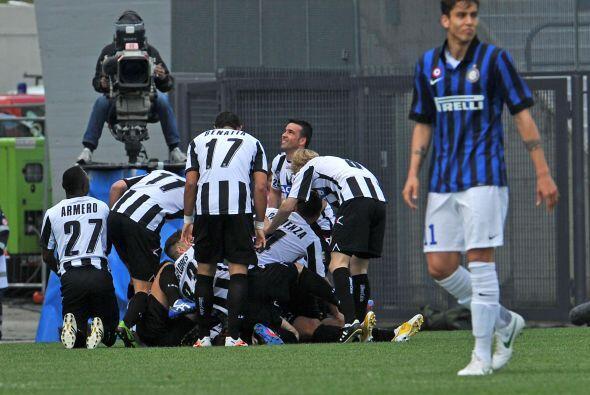 El cuadro local no tardó en irse al frente gracias a un gol de Danilo al...
