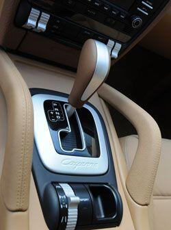 En el panel central Porsche añade todo tipo de ajustes para la suspensión.