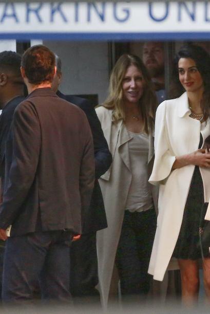 Los paparazzi captaron a George y Amal Clooney saliendo del Soho House e...