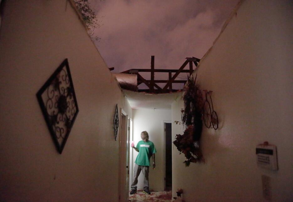 Tormentas y tornados azotan Louisiana y Mississippi tornado12.jpg