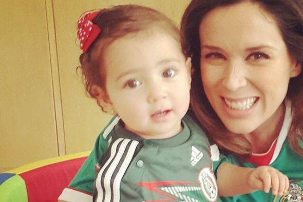 Jacky apoya a la Selección Mexicana.