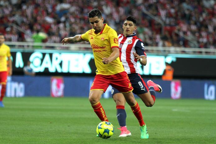 Tras un año a préstamo en Morelia, David Cabrera regresaría a Pumas para...