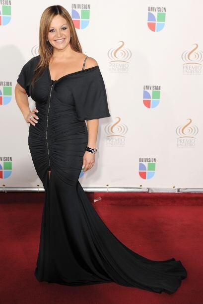 Junto con otros artistas, Jenni Rivera prestará su hermosura y vo...