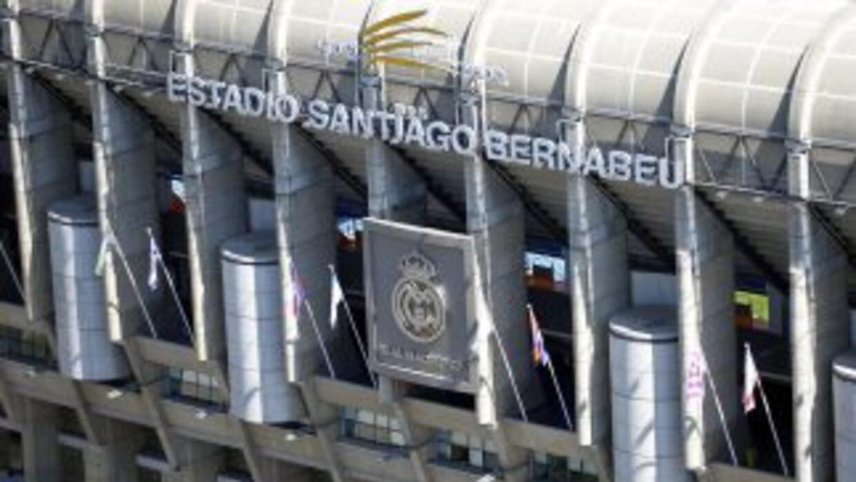 El estadio Bernabéu cambiará su nombre por el de una marca que pague la...