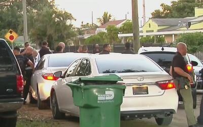 Arrestan a los sospechosos de robarle a una mujer y su hijo en Hialeah