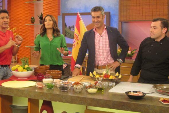 En la cocina, aprendimos a hacer una deliciosa paella valenciana con el...
