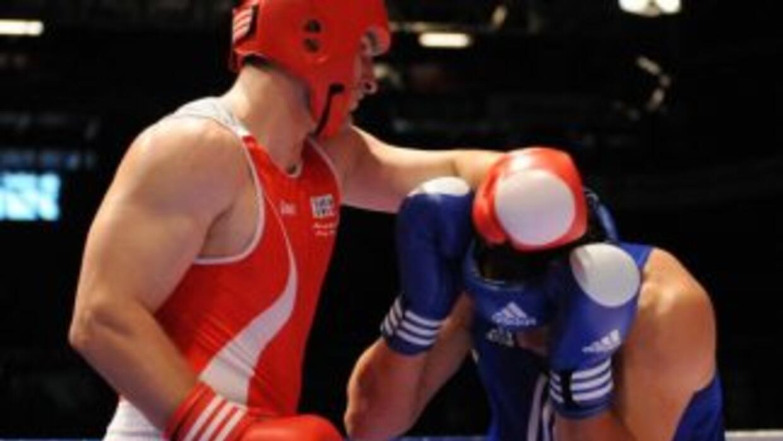El boxeo profesional competiría a nivel olímpico.