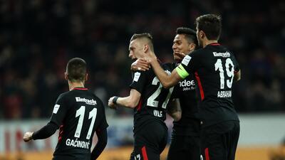 Con Salcedo los 90', Eintracht rescató empate en la Bundesliga