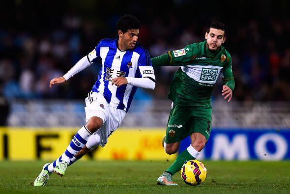 Actualmente Carlos es titular de la Real Sociedad donde se le respeta el...