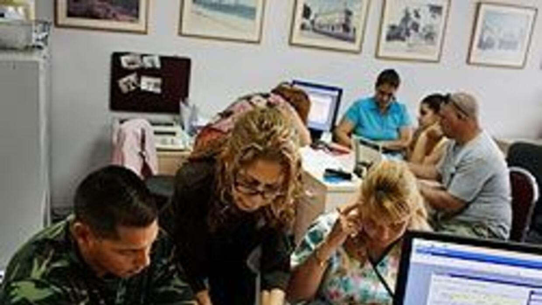 Los viajes a la isla de Cuba se realizan por medio de empresas especialm...