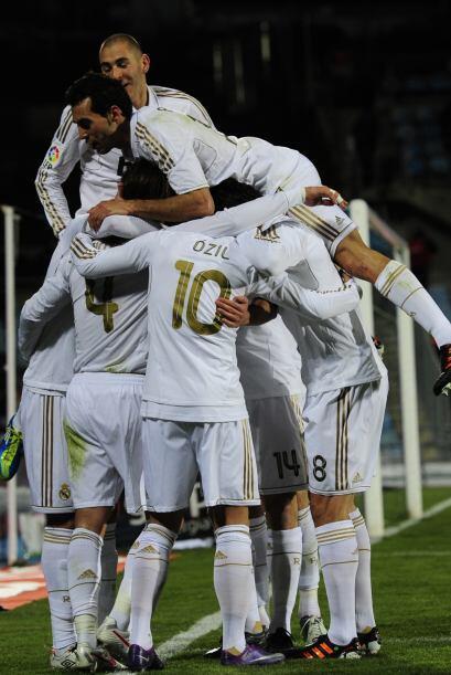 Real Madrid se mantiene en la cima del campeonato y se acerca al t&iacut...