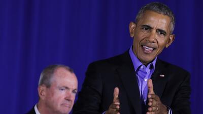 El expresidente Barack Obama durante el evento de campaña en Nuev...