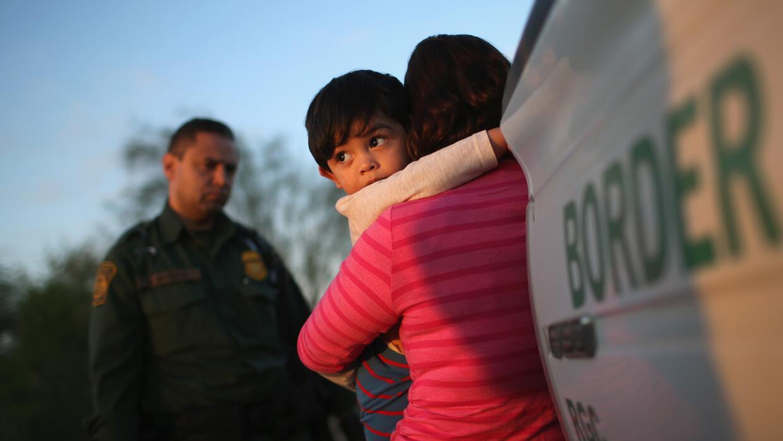 Grupo en Los Ángeles ofrece asesoría jurídica a centroamericanos immigra...