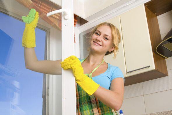 Cuando usas los productos de limpieza inadecuados también estás gastando...