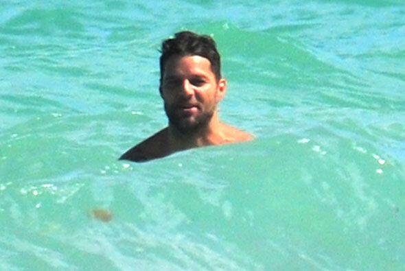 Ricky Martin está enamorado y se lo demuestra al mundo con estas imágene...