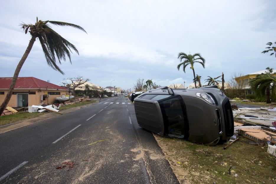 El huracán ya mostró su fuerza en algunas islas del caribe, como San Mar...