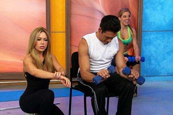 Además es una entrenadora que cuida su cuerpo y tiene muchos 'tips' para...