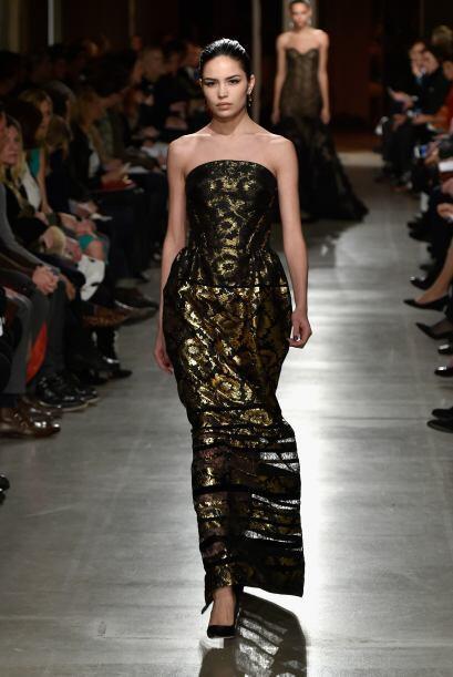 Algunos volúmenes se apreciaron en los elegantes vestidos de noche.