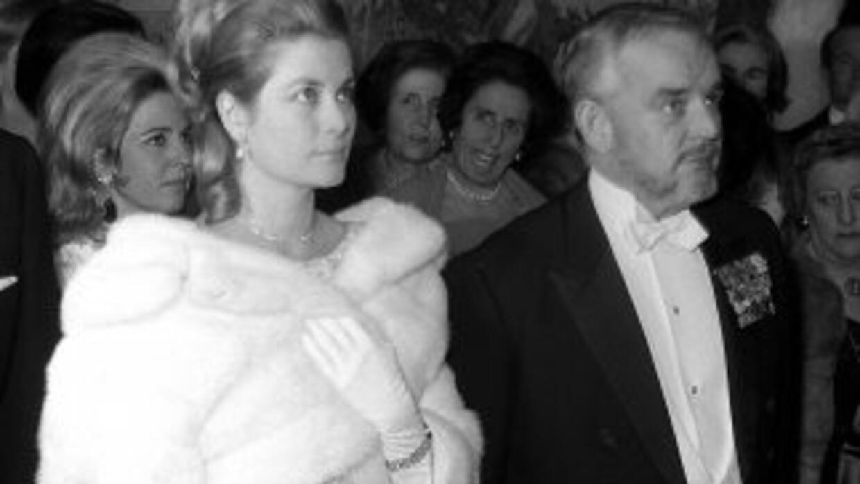 Rainiero III y Grace de Mónaco, en un acto celebrado en su visita a Espa...